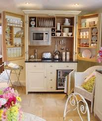 10 Cocinas Tipo Closet  Pisos Al Día  PisoscomCocina En Un Armario