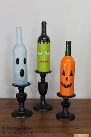 Did someone say wine? Oh painted wine bottles. Here's a crafty DIY using  all your empty wine bottles!