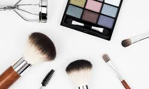 10 makeup brushes you need and how to use them