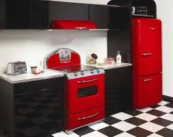Red Retro Kitchen Retro 50s Kitchen 1950 Kitchen Design Yellow And Red 1950s Retro