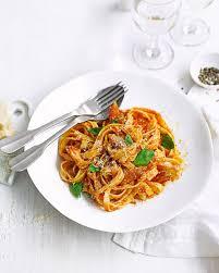 Spicy tomato and mackerel pasta recipe ...