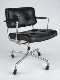 Office chair eames Chair Replica The Chair In Charles Eames Office Vitra Vitra The Chair In Charles Eames Office