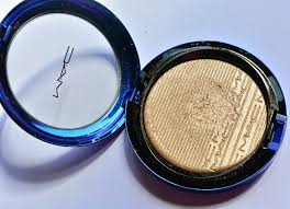 <b>MAC Oh, Darling</b>! Extra Dimension Skinfinish Review