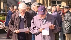 Čerupanje penzionera ili lajanje kera za račun profitera?