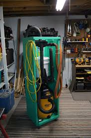lilly s crazy home woodshop 2012 i could not afford a large dust collector so i wanted to improve my current shop vac