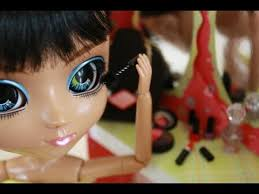 how to make doll make up