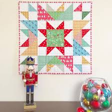 Best 25+ Mini quilt patterns ideas on Pinterest | Quilt patterns ... & Free Quilt Pattern: Happy Star Mini Quilt Adamdwight.com