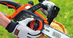 best chainsaw. black-\u0026-decker-lcs1020-battery-best-chainsaw-for- best chainsaw