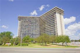 Apartments For Rent   1055 Bloor Street East, Mississauga, ON