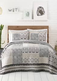 jessica simpson ebony and ivory quilt black white uni bed bath bedding 100 satisfaction guarantee