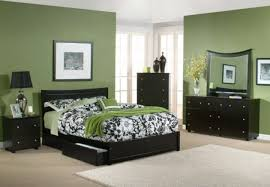 Purple Bedroom Color Schemes Green Swivel Chair Dark Green Rug Bedroom Color Scheme Purple Wall