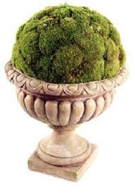 Decorative Moss Balls Mood Moss is used to create this awesome Decorative Moss Display 54