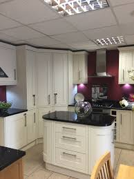 Wickes Kitchen Flooring We Love This Kitchen Style And Layout Shaker Bone Wickes