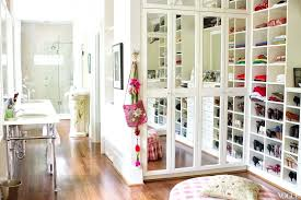 Huge walk in closets design Romantic Modern Closet Cabinet White Huge Walk In Closet Design For Women With Marble Top Island Over Blissfilmnightco Modern Closet Cabinet White Huge Walk In Closet Design For Women