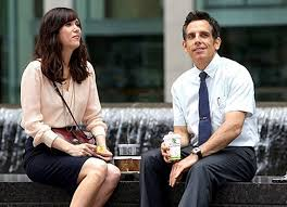 fat movie guy the secret life of walter mitty movie review cheryll kristen wiig and walter enjoy an awkward conversation outside of their office