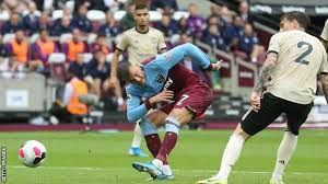 Man utd vs west ham live. West Ham United 2 0 Manchester United Hammers Too Strong For Toothless Visitors Bbc Sport