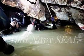 อัพเดต 3 ข่าวใหญ่ เด็กติดถ้ำหลวง เรือล่มภูเก็ตตายเพิ่ม เคลื่อนศพบิน ทบ.ตก