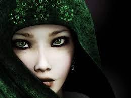 Emerald eyes ...