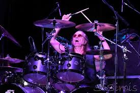 Roger Earl of Foghat in On The Beat   Modern Drummer Magazine