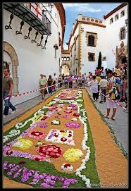 catifes de flors a sitges corpus fresh flower rugs in sitges for the corpus