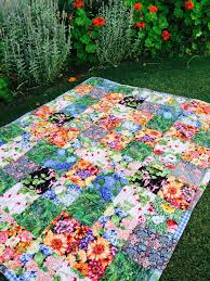 Susie's Garden Lap Quilt - Free Pattern | Quilting 15 | Pinterest ... & Susie's Garden Lap Quilt - free pattern easy quilt, suitable for charity  quilt… Adamdwight.com