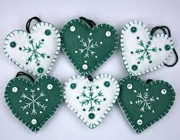 Heart Felt Ornaments Tutorial  FaveCraftscomChristmas Felt Crafts