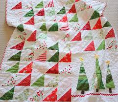Lo, Ray, & Me: Easy Triangle Christmas Quilt | QUILT - Winter ... & Lo, Ray, & Me: Easy Triangle Christmas Quilt Adamdwight.com