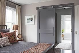 bedroom with interior barn door