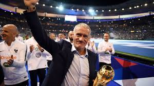 Didier Deschamps bleibt bis 2022 Trainer von Weltmeister Frankreich |  Fußball News