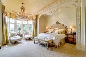 Yesteryearu0027s Favourite Couple Brangelinau0027s Sprawling 17 Century Estate Has  35 Bedrooms. Estimated At $ 60 Million, This Chateau Is (was) Perfect For  The ...