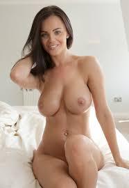 Hot Busty Brunette Nude Women Mature Nude