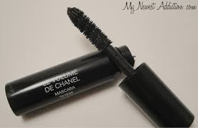 chanel mascara. i usually dislike sample mascaras. a lot of the time you rarely get product to try. this mascara had plenty that came out on chanel