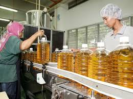Edible Oil Makers Cut Prices By Up To Rs 2 Litre Business