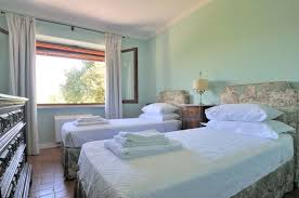 Small Bedroom With Two Beds Bedrooms With Twin Beds Home Design Ideas