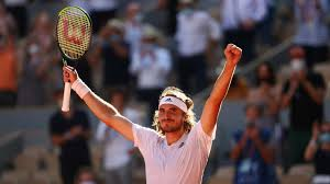 What racquet does tsitsipas use? 9ef Jf D5mmy2m