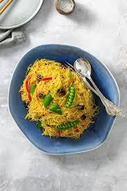 singapore noodles stir fry with tofu