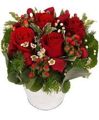 La fantasia del fiorista può creare composizioni dove i fiori sono le composizioni floreali possono essere posizionate su mensole e tavoli senza alcuna difficoltà. Acquista Fiori Per Anniversario Consegna Fiori A Piacenza