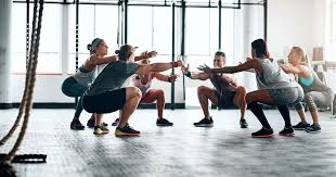 health benefits of working out with a crowd