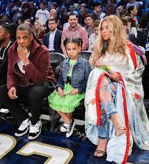for the stylish welcome to my world according to style glamofficial beyoncé s pricey gucci rtw 2017 silk kimono at the nba all star game