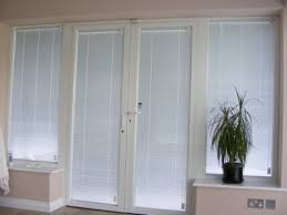 bifold doors with integral blinds f 3 400 1