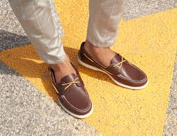 how to clean sperrys leather boat shoes