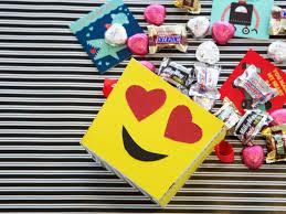 valentine s day emoji box