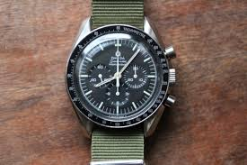 3 essentials if you love vintage watches ablogtowatch 3 essentials if you love vintage watches feature articles