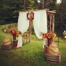 47 Fall Backyard Wedding Ideas That Inspire  HappyWeddcomBackyard Fall Wedding