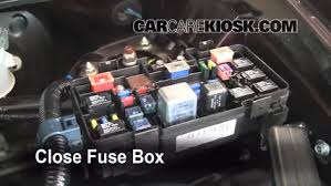 blown fuse check 2003 2011 honda element 2006 honda element ex 6 replace cover secure the cover and test component