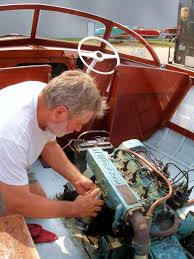 "the man they call ""mr b"" a snapshot story classic boats bob paddock"