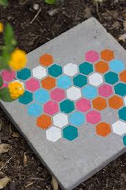 12 lovely diy stepping stones for your