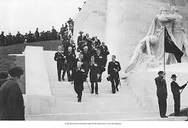 vimy canadian memorial photo essay canadian geographic king edward descending the steps of the monument to meet the pilgrims canadian geographic journal