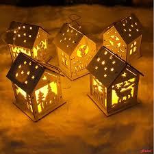 Mô Hình Ngôi Nhà Có Đèn Led Trang Trí Giáng Sinh