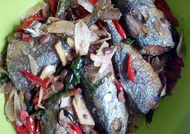 When shopping for fresh produce or meats, be certain to take the time to ensure that the texture, colors, and quality of the food you buy is the best in the batch. Resep Mudah Ikan Kembung Tauco Gurih Mantul